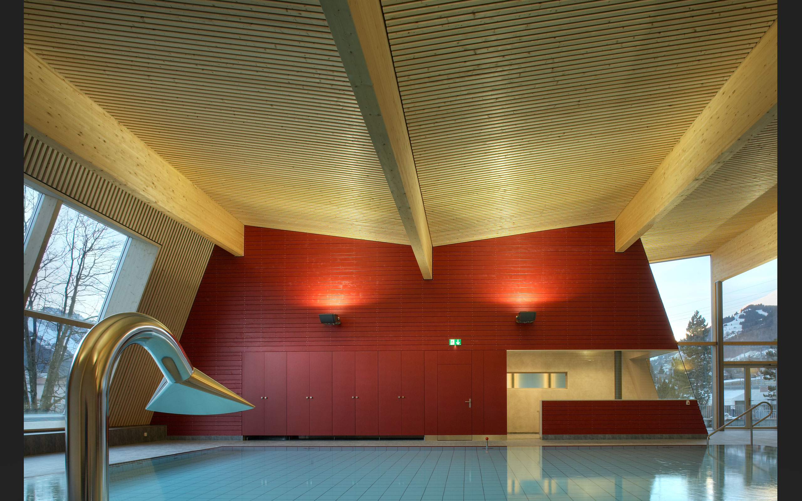 Architektur: ittenbrechbuehl.ch, Hallenbad-Frutigen